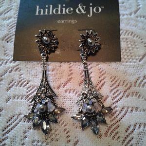 🌺 NWT Hildie & Jo Pierced Earrings